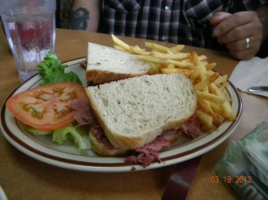 Star Lite Restaurant: Corn beef sandwich deluxe