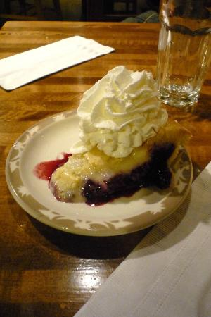 Brewery Creek Brewpub: Great pie!