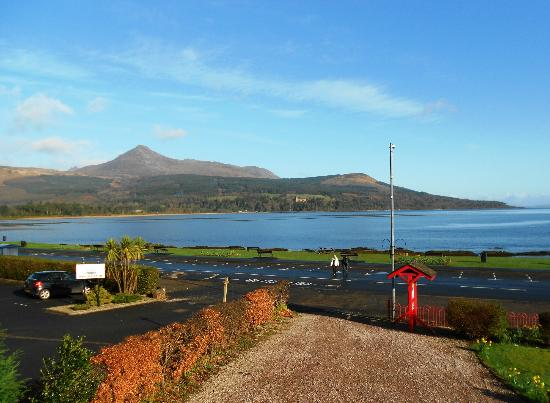 Dunvegan House Guest House : What a view from Room 8 of Goatfell!!