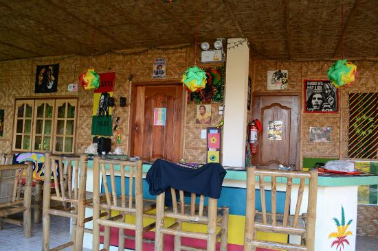 Reggae Guesthouse: The bar and resturant