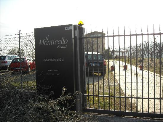 Relais Il Monticello: l'ingresso