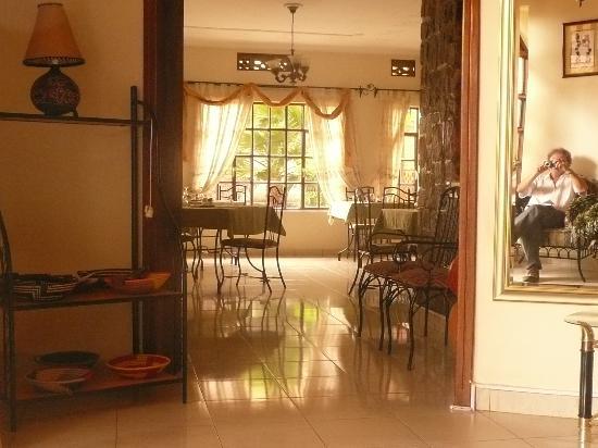 Golf Hills Residence: Blick in den Frühstücksraum, gleichzeitig Restaurant