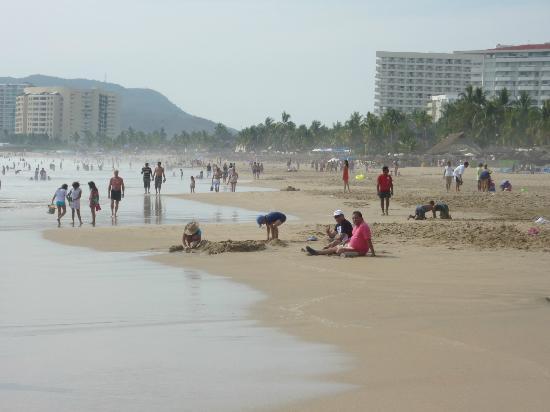Tesoro Ixtapa: Promenade sur la plage