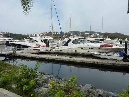 Tesoro Ixtapa: La Marina à 10 minutes de marche