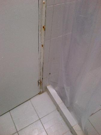 Hotel Blue Tone: baños sucios