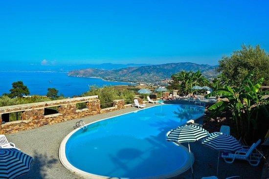 Agriturismo Santa Margherita : piscina