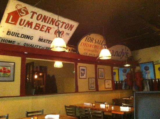 Water Street Cafe : memorable old Stonington signage