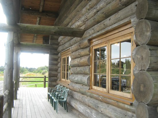 Railcruising: Log Cabin - film set?