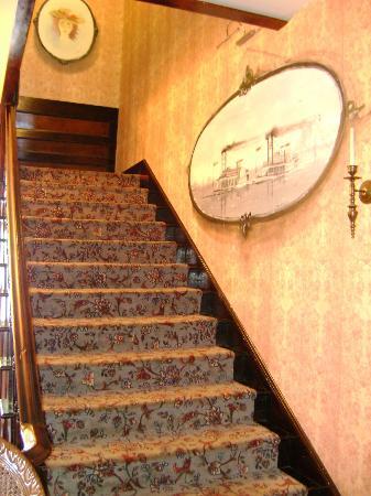Ruebel Hotel: Staircase