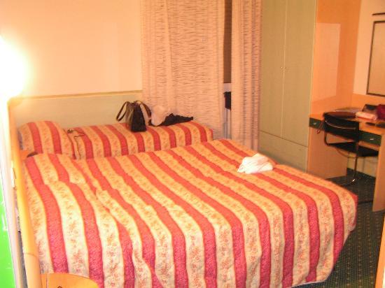 Astoria : The bedroom
