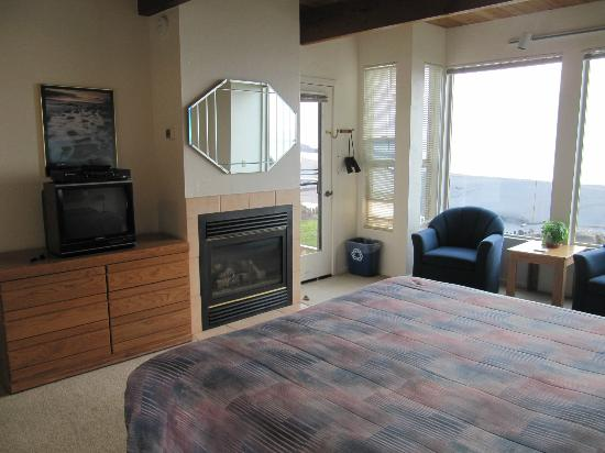 Seacliff Motel on the Bluff: Fire place