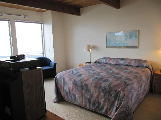 Seacliff Motel on the Bluff: bed