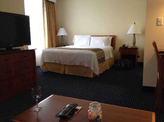 Residence Inn Boston Woburn: Comfy Bed
