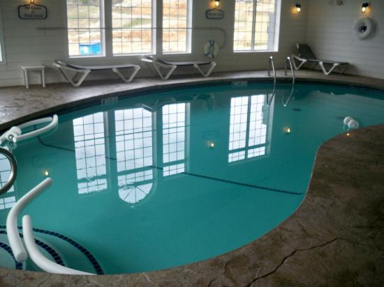 Indoor pool picture of stormy point village a for Branson mo cabins with indoor pool
