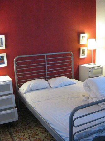 Barcelona Home Guest House : bedroom