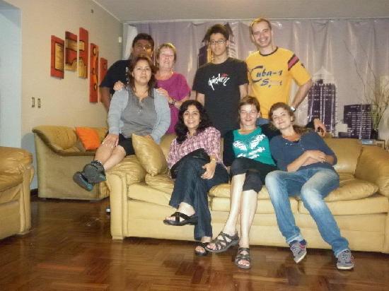 Lino Family House: Huespedes amigos