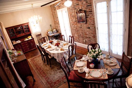 The New Orleans Jazz Quarters: Breakfast Room