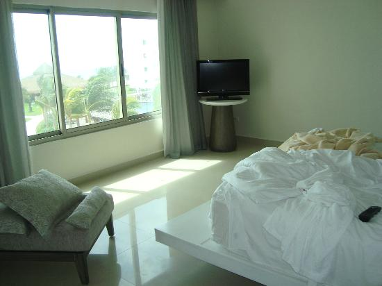 Secrets Silversands Riviera Cancun: Our bedroom with a view in Room 3329 (Honeymoon suite)
