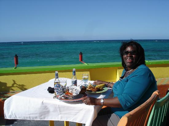 Compass Point Beach Resort: Dinner at the hotel restaurant