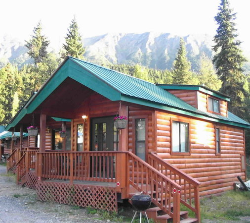 Gwin's Lodge and Restaurant, Historic Roadhouse and cabin rentals: Poplar Chalet Sleeps up to 6