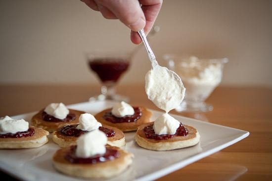 Wanaka Springs Lodge : Pikelets for afternoon tea