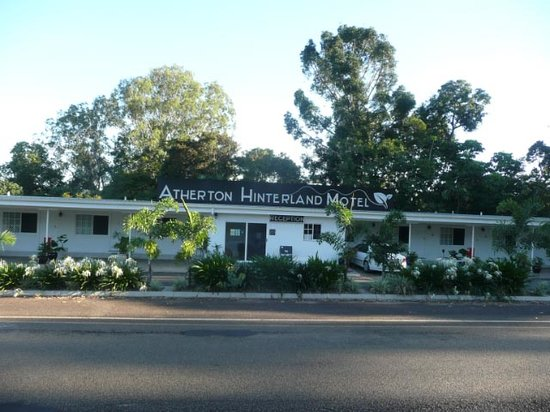Atherton Hinterland Motel: Reception and Standard Rooms