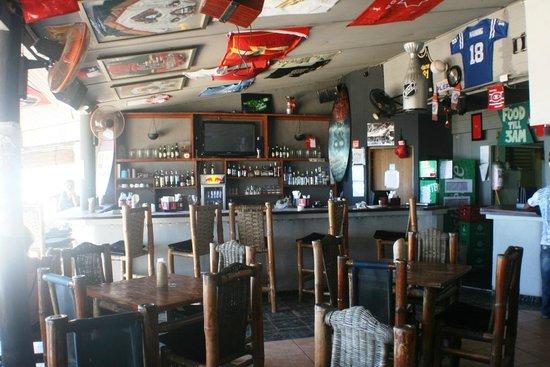 Kahuna's Restaurant and Bar: Bar