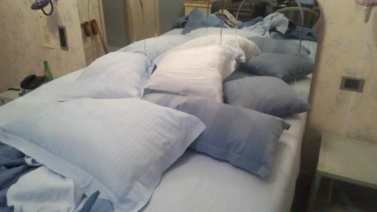 Hotel Miramare: Vesviana pillows