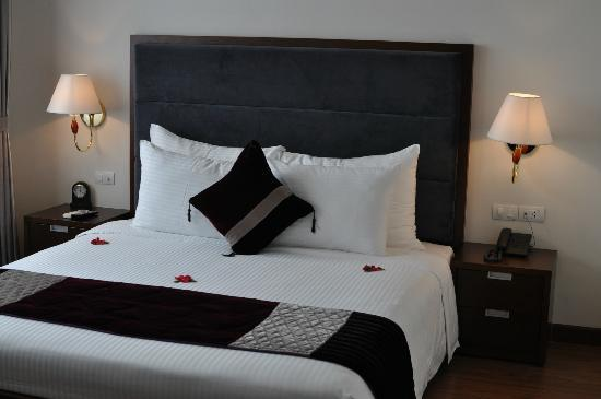 Essence Hanoi Hotel & Spa: Bed