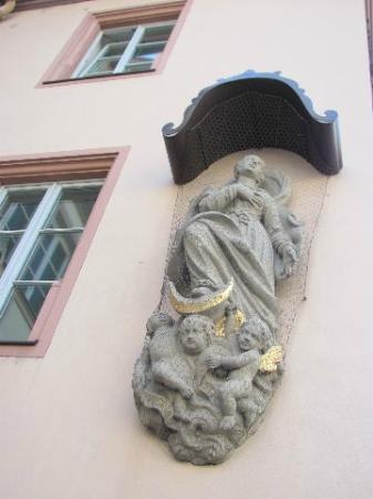 Buergerspital zum Heiligen Geist - Weingut: sculpture