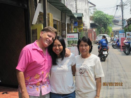 Banh Mi Guest House: Buddy, Ann and the housekeeper