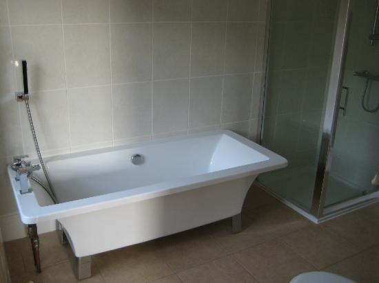 Eversley Hotel: Ensuite rm 14
