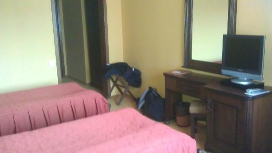 Hotel Ski & Sky: Bedroom - hallway