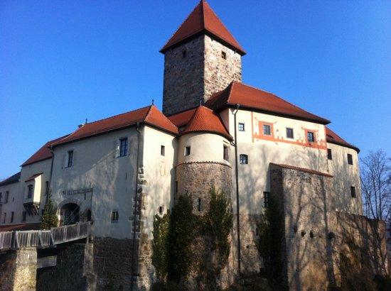 Hotel Burg Wernberg: Aussenansicht