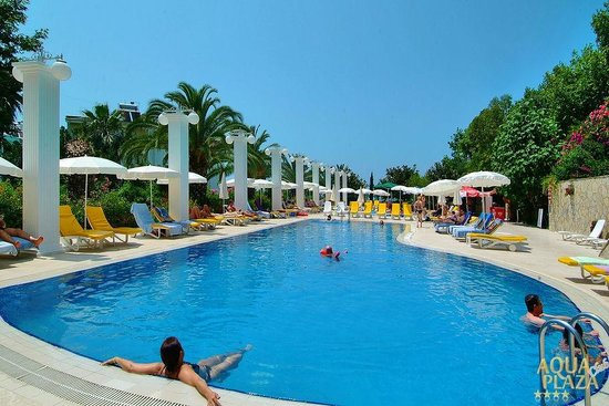 Aqua Plaza: büyük havuz