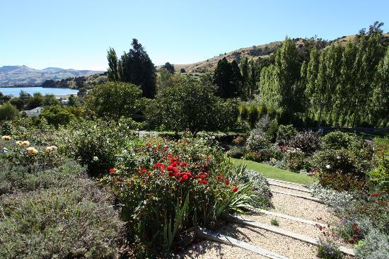 L'Abri: garden