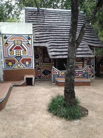 aha Lesedi Cultural Village: The Ndebele room