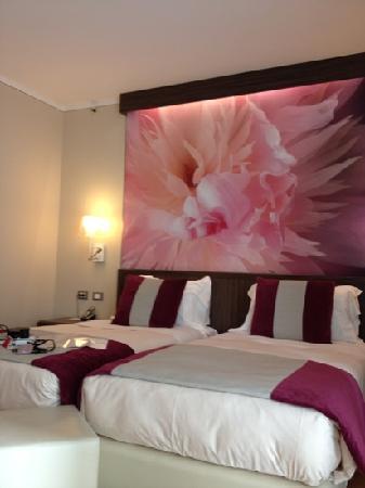 Ramada Plaza Milano: room bed