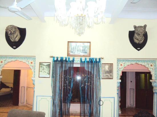 Bharat Mahal Palace : AMIT