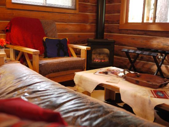 McGinnis Meadows Cattle and Guest Ranch: Cabin: Sitting Area