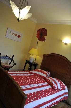 Le Clos Saint Georges: De 55 à 65 euros la nuit, selon la chambre et pour 2 personnes...