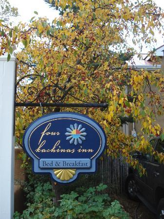 Four Kachinas Inn: lovely in the fall