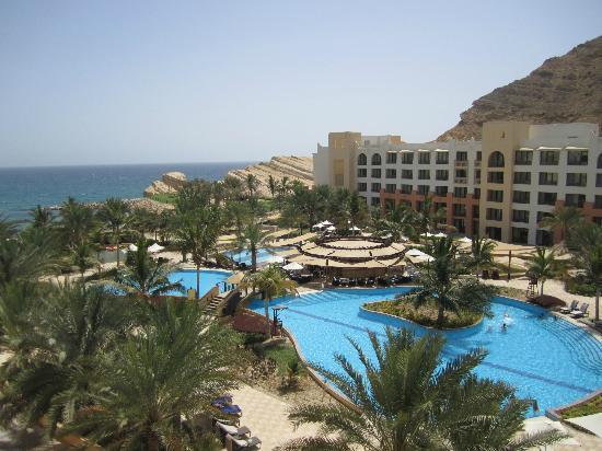 Shangri La Barr Al Jissah Resort & Spa-Al Husn: View from Room