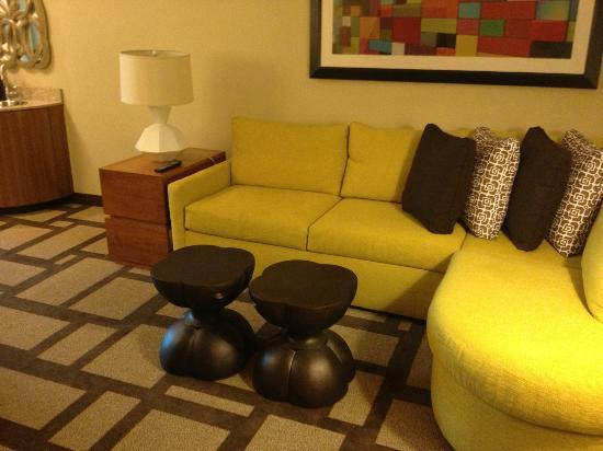 Embassy Suites by Hilton Houston Downtown: sitting are in 2 room suite