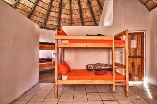 Sheri's Lodge & Backpackers: Dorms / Backpackers