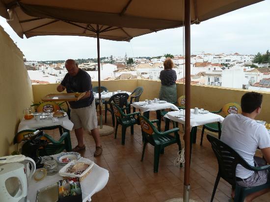 Residencial Hotel Por do Sol: The roof top terrace