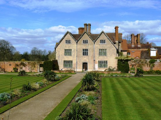 Hotels Near Baddesley Clinton