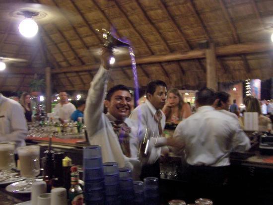Hotel Riu Lupita: At the bar