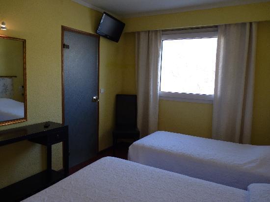 Hotel Le cheval Blanc: Chambre triple