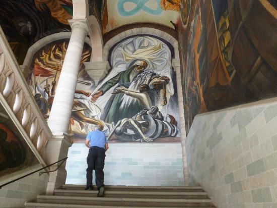 Casa Estrella de la Valenciana: Mural in museum